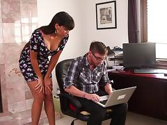 Dane Cross fucks Mercedes Carrera after fixing the computer tube porn video