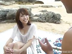 Yuuko Shiraki hot milf hs sex on the beach