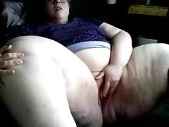 SSBBW fingering her pussy