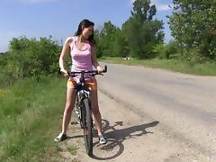 Vanessa Sky goes to the countryside by bike to play with her pussy tube porn video