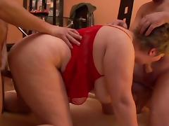 Bbw euro amateur gets pumped hard in threesome