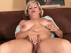 Soccer mom works her mature pussy with a dildo tube porn video
